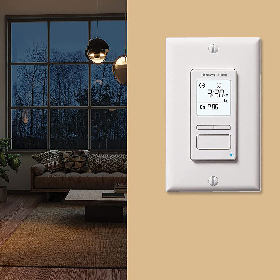 Honeywell RPLS740B1008/U ECONOSwitch 7-Day Solar Programmable Light Switch Timer (White)